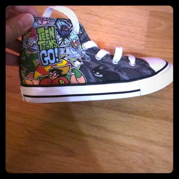 1e2c6646416a Converse Other - Teen titans toddler converse size 9